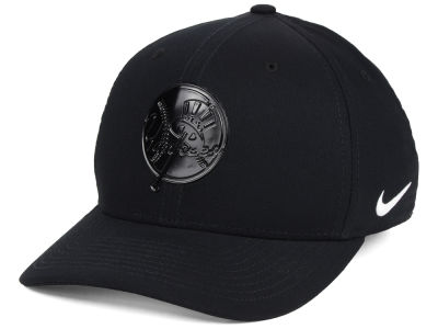 New York Yankees Nike MLB Gloss Swooshflex Cap 8a89a2cf37c