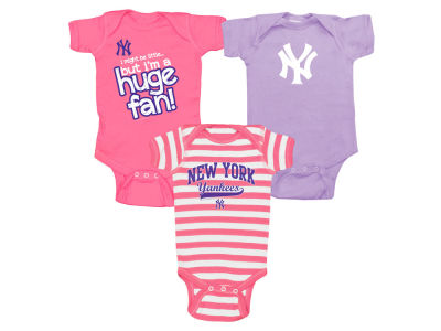 New York Yankees MLB Newborn Girls Huge Fan 3 pc Set