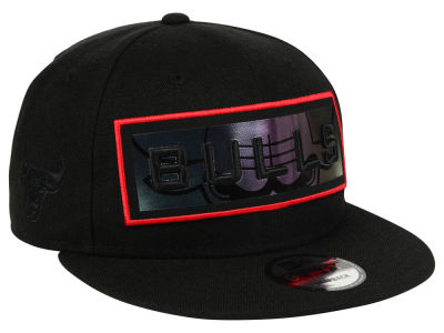 Chicago Bulls New Era NBA Iridescent Stripe 9FIFTY Snapback Cap