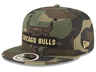 Chicago Bulls New Era NBA Gold Word 9FIFTY Snapback Cap