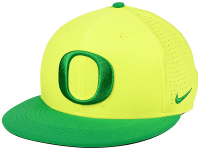 Oregon Ducks Nike NCAA Dri-Fit Vapor Snapback Cap
