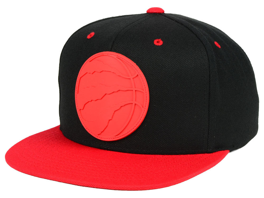 45b128d8a3a Toronto Raptors Mitchell   Ness NBA Rubber Weld Snapback Cap