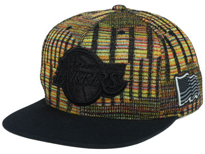 Los Angeles Lakers Mitchell & Ness NBA Black Flag Snapback Cap
