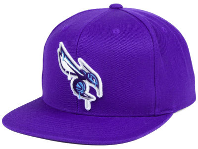 Charlotte Hornets Mitchell & Ness NBA Dripped Snapback Cap