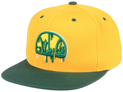 Seattle SuperSonics Mitchell & Ness NBA Dripped Snapback Cap