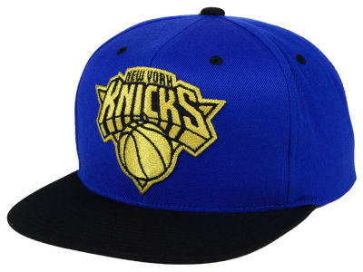 New York Knicks Mitchell & Ness NBA Black & Gold Metallic Snapback Cap