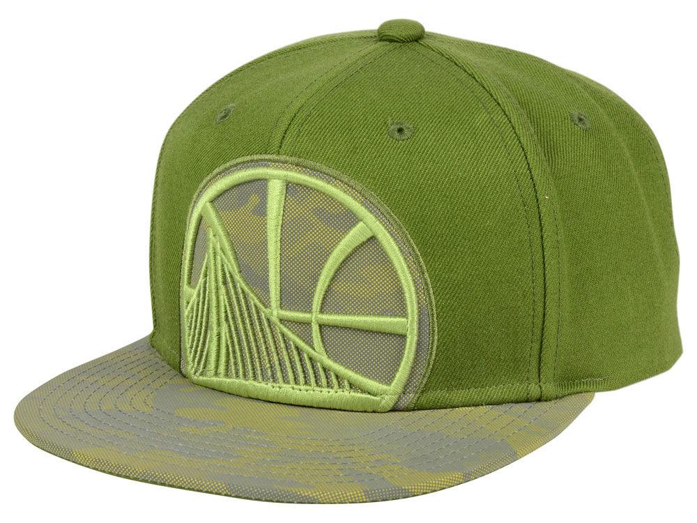 91987d2e9b9 Golden State Warriors Mitchell   Ness NBA Olive Reflective Camo Snapback  Cap