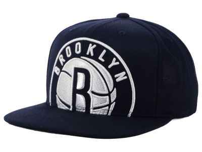 Brooklyn Nets Mitchell & Ness NBA Metallic Cropped Snapback Cap