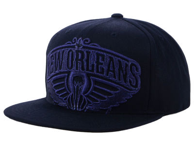 New Orleans Pelicans Mitchell & Ness NBA Metallic Cropped Snapback Cap