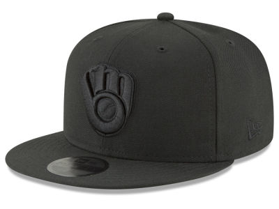 Milwaukee Brewers New Era MLB Blackout 59FIFTY Cap
