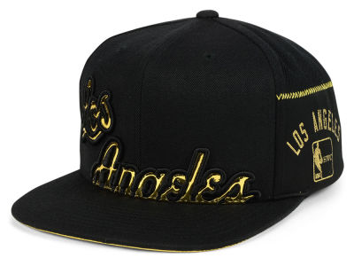 Los Angeles Lakers Mitchell & Ness NBA Patent Cropped Snapback Cap