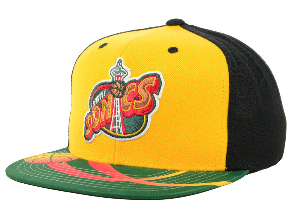 Seattle SuperSonics Mitchell   Ness NBA Winning Team Snapback Cap ... afae934eb9a