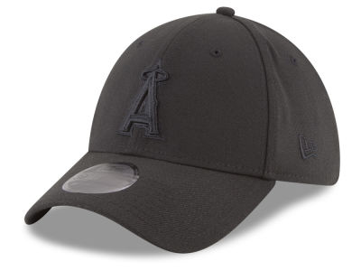Los Angeles Angels New Era MLB Blackout 39THIRTY Cap