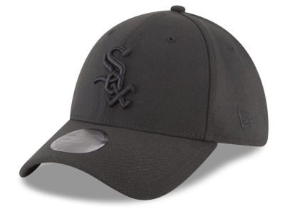 Chicago White Sox New Era MLB Blackout 39THIRTY Cap