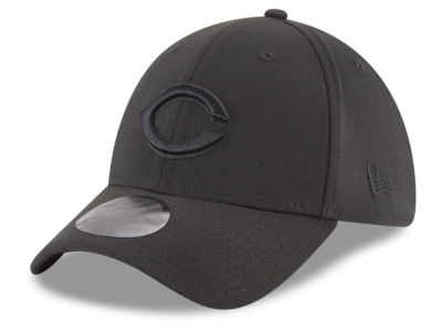 Cincinnati Reds New Era MLB Blackout 39THIRTY Cap