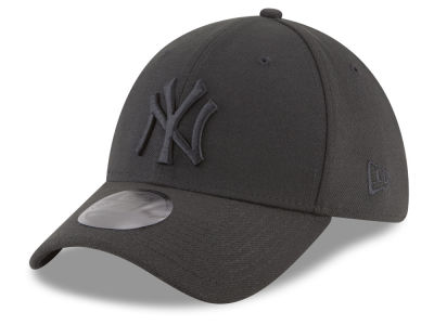 New York Yankees New Era MLB Blackout 39THIRTY Cap
