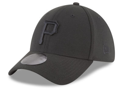 Pittsburgh Pirates New Era MLB Blackout 39THIRTY Cap