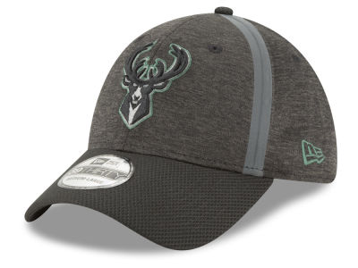 Milwaukee Bucks New Era NBA Reflect Tech 39THIRTY Cap