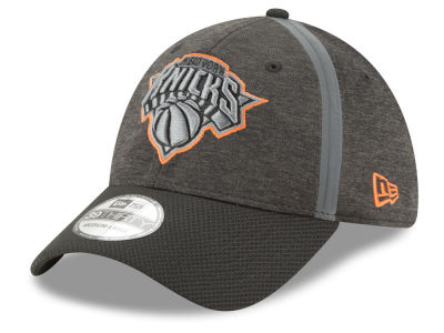 New York Knicks New Era NBA Reflect Tech 39THIRTY Cap