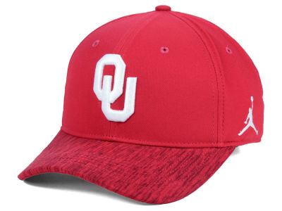 Oklahoma Sooners Nike NCAA Youth Sideline Adjustable Cap
