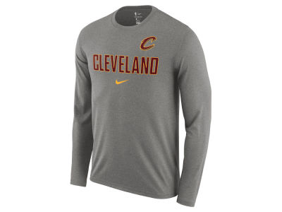 Cleveland Cavaliers Nike NBA Men's Essential Facility Long Sleeve T-Shirt