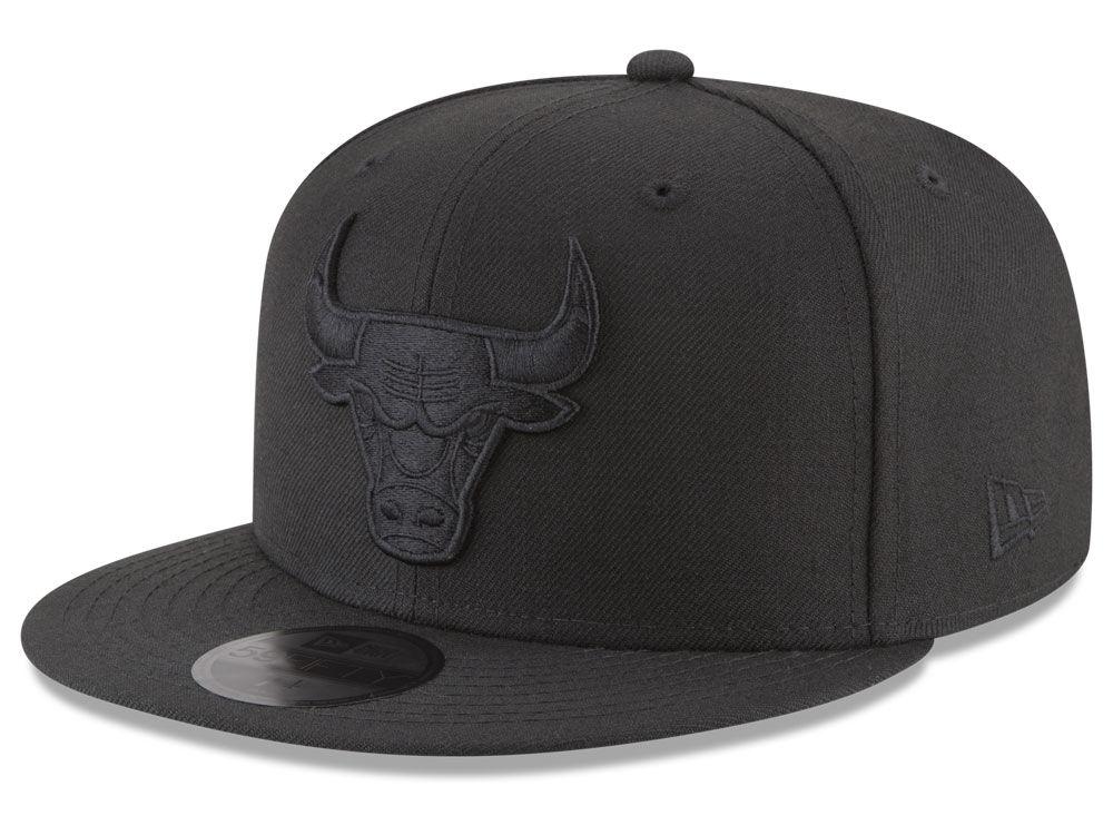 b1f60397452 Chicago Bulls New Era NBA Blackout 59FIFTY Cap