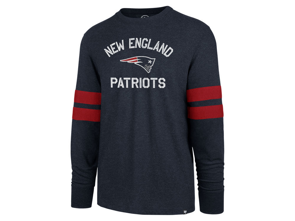 559826f03 New England Patriots  47 NFL Men s Scramble Long Sleeve Club T-Shirt ...