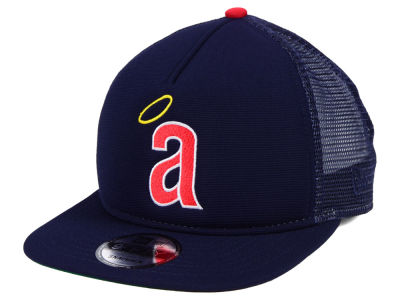 Los Angeles Angels New Era MLB Classic Trucker 9FIFTY Snapback Cap