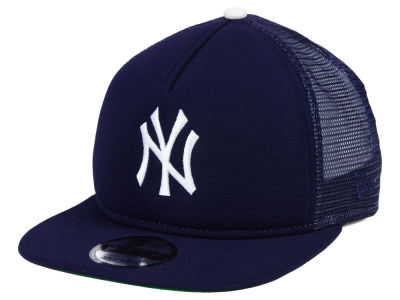 New York Yankees New Era MLB Classic Trucker 9FIFTY Snapback Cap