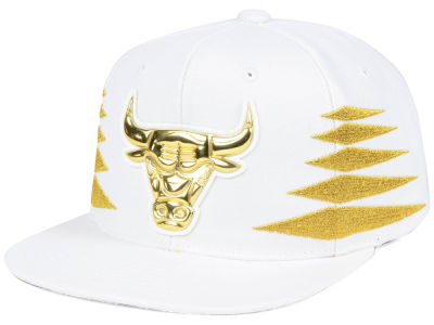 Chicago Bulls Mitchell & Ness NBA Gold Diamonds Snapback Cap