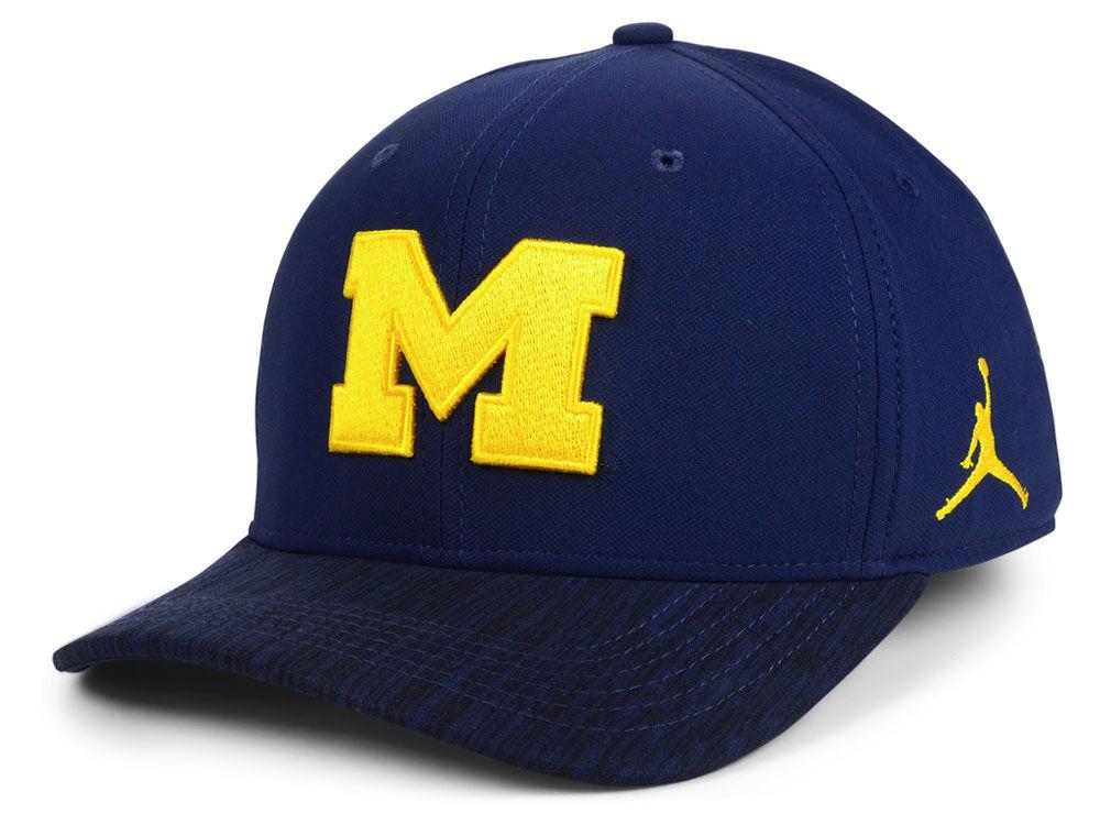 Michigan Wolverines Nike NCAA Arobill Swoosh Flex Cap  4bdd6950a9f5