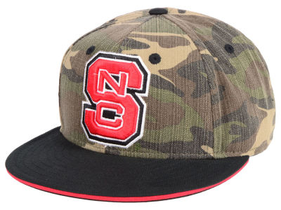 North Carolina State Wolfpack adidas NCAA Stadium Performance Camo Fitted Cap