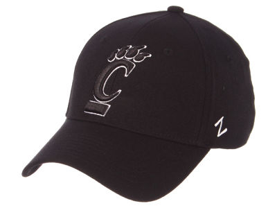 Cincinnati Bearcats Zephyr NCAA Black White Stretch Cap