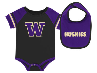 Washington Huskies Colosseum NCAA Newborn Onesie & Bib Set