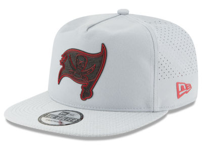 Tampa Bay Buccaneers New Era 2018 NFL Training Golfer A-Frame Snapback Cap