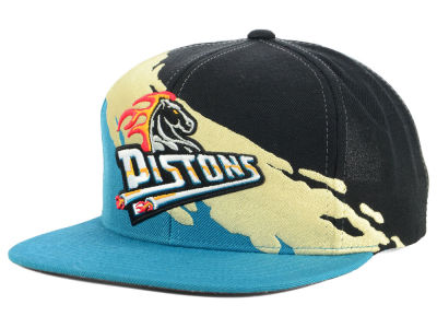Detroit Pistons Mitchell & Ness NBA Gold Paint Snapback Cap
