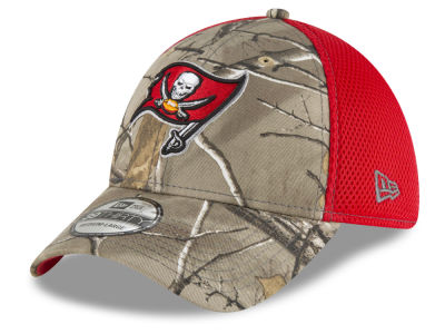 Tampa Bay Buccaneers New Era NFL Realtree Camo Team Color Neo 39THIRTY Cap