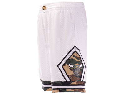 Chicago Bulls Mitchell & Ness NBA Men's Straight Fire Camo Shorts