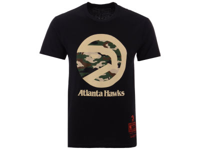 Atlanta Hawks Mitchell   Ness NBA Men s Straight Fire Camo ... e77b9b620