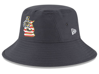 St. Louis Cardinals New Era 2018 MLB Stars and Stripes Bucket