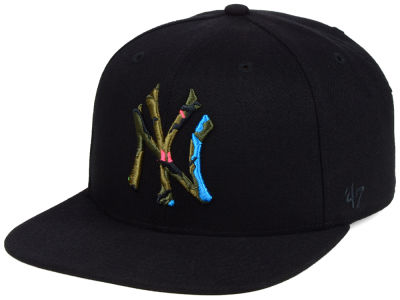 New York Yankees '47 MLB Camfill Neon Snapback Cap