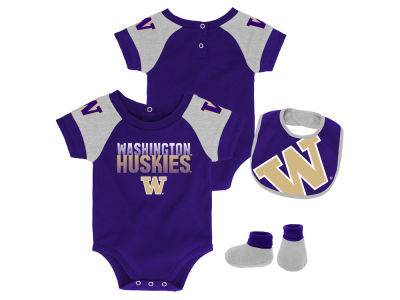 Washington Huskies Outerstuff NCAA Newborn Dash Bib & Bootie Set