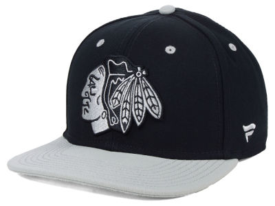 Chicago Blackhawks NHL Blackout Emblem Snapback Cap