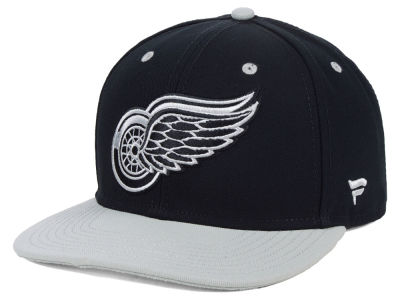 Detroit Red Wings NHL Blackout Emblem Snapback Cap