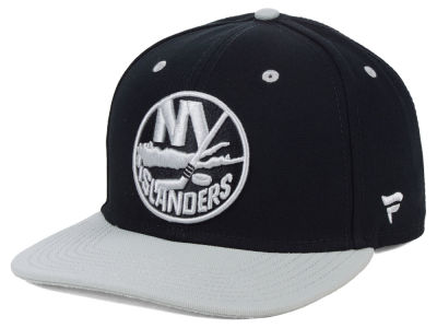 New York Islanders NHL Blackout Emblem Snapback Cap