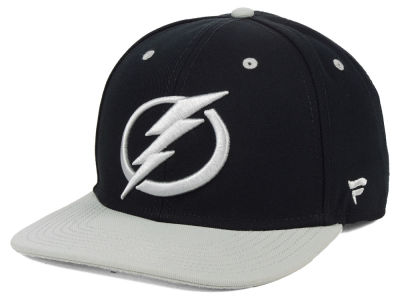 Tampa Bay Lightning NHL Blackout Emblem Snapback Cap