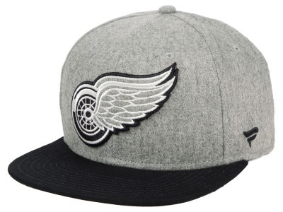 Detroit Red Wings NHL Heavy Heather Emblem Snapback Cap