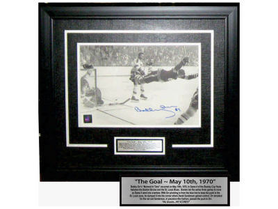 Boston Bruins Bobby Orr Frameworth Signed 8x10 Framed Photograph
