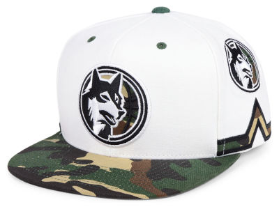 Minnesota Timberwolves Mitchell & Ness NBA Straight Fire Camo Hook Snapback Cap