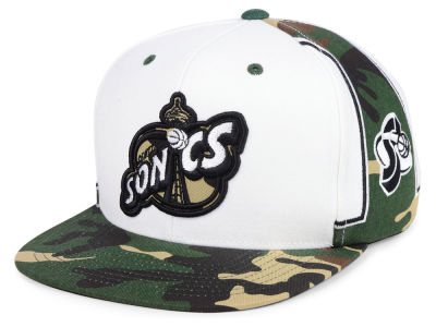 Seattle SuperSonics Mitchell & Ness NBA Straight Fire Camo Hook Snapback Cap